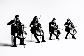 <b>Apocalyptica – Plays Metallica by Four Cellos</b>