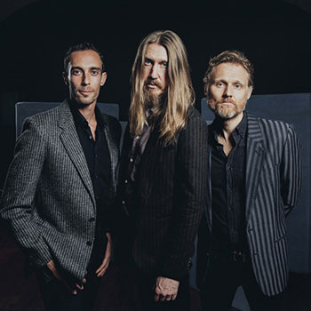 <b>The Wood Brothers</b>